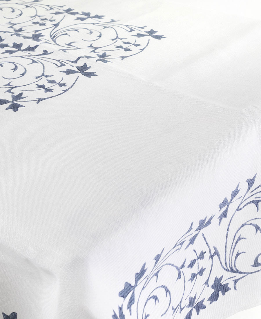 Traditional 700 Tablecloth